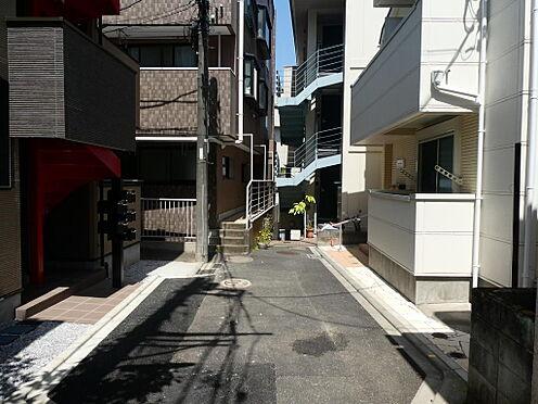 アパート-新宿区戸山1丁目 前面道路