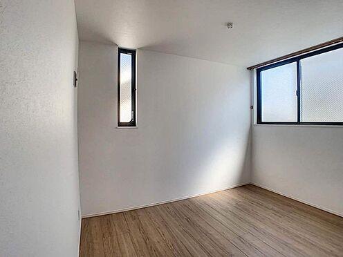 戸建賃貸-名古屋市東区百人町 明るい光が差し込む室内