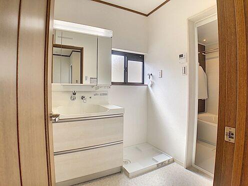 中古一戸建て-知立市牛田町小深田 忙しい朝の準備にぴったりな、洗髪洗面化粧台付き