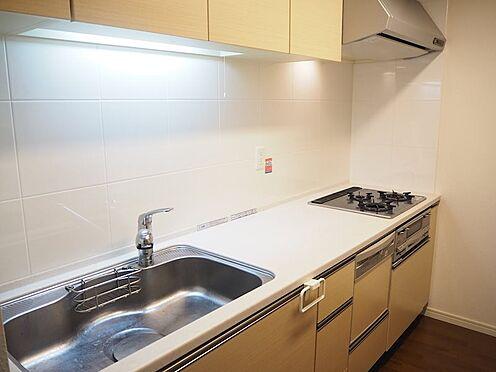 中古マンション-八王子市松木 キッチンは綺麗にお使いで、ビルトイン食洗器も設置されています