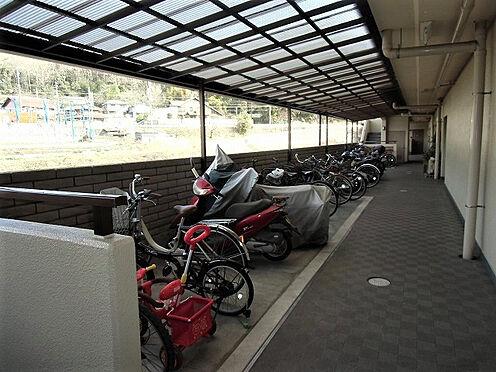 マンション(建物一部)-神戸市西区押部谷町木幡 バイクや自転車を置けるから、コンビニやスーパーへの移動が楽々。