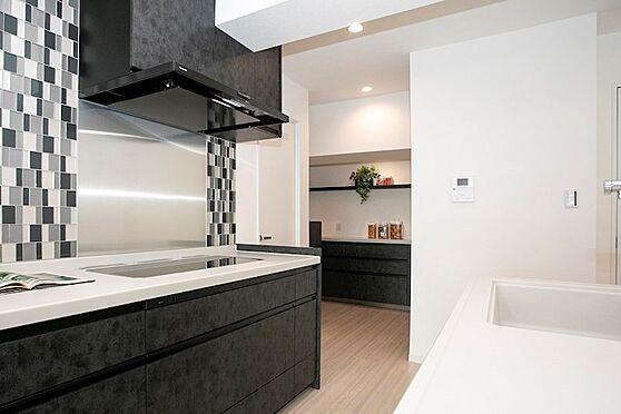 中古マンション-品川区東五反田1丁目 プライベートスペースを彩るインテリアとしての美と快適な日常を支える機能性と強さ