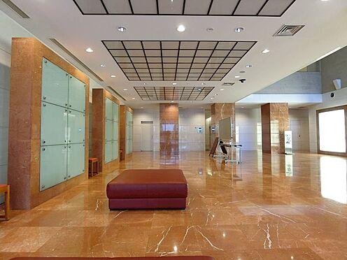 中古マンション-横浜市神奈川区栄町 風格のあるメインエントランス