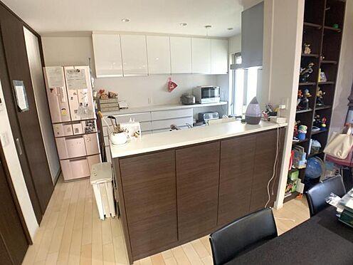 中古一戸建て-岡崎市井内町字川田 奥様に人気の対面キッチン!収納スペースも多く確保されています!
