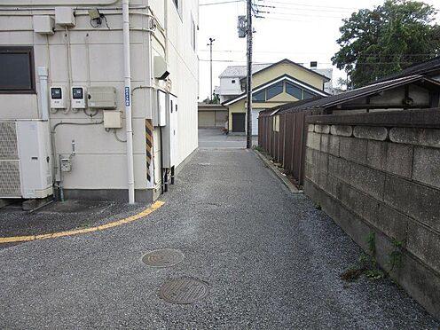 アパート-佐野市久保町 西側車路