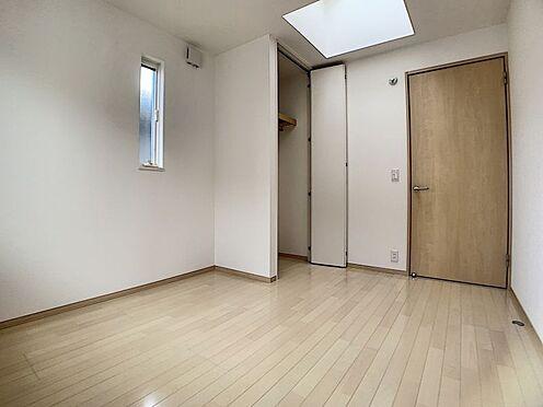 戸建賃貸-みよし市三好町大坪 2階にはWICの他に納戸がございます。シーズン物のお荷物などを入れても便利ですね。