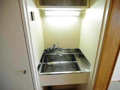 中古マンション-熱海市上多賀 水回りは必要最低限の設備となります。