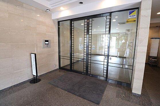 マンション(建物一部)-港区白金3丁目 オートロック・TVモニタ付きのエントランスで女性にも安心のセキュリティです。