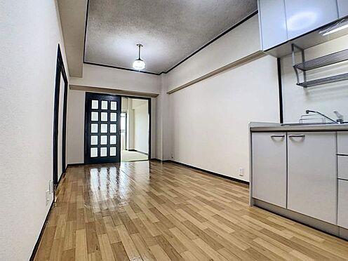 区分マンション-名古屋市中川区五女子1丁目 南に面した洋室から通風・採光が入ります♪