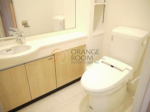 マンション(建物一部)-豊島区南大塚3丁目 寒い冬でも快適にご使用いただける暖房機能付のトイレです。