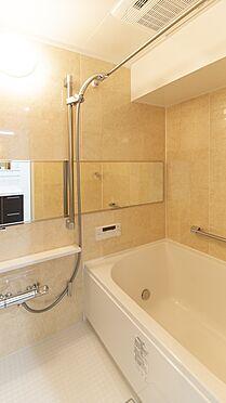 中古マンション-岡山市北区弓之町 浴室 掲載中の家具等は販売価格に含まれません。