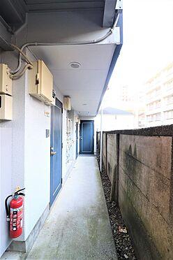 アパート-練馬区桜台4丁目 1階廊下部分。