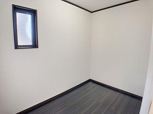 戸建賃貸-一宮市伝法寺3丁目 2階にある納戸は収納が沢山できます!