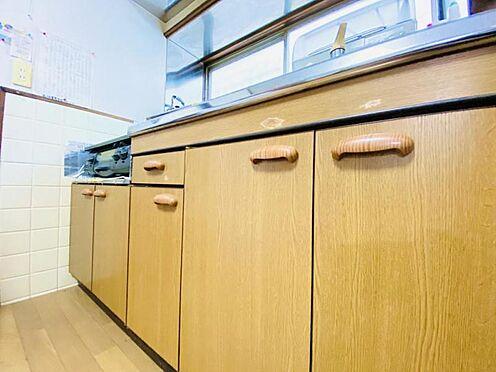 中古一戸建て-福岡市南区大池1丁目 窓勝手口付で明るいキッチンです!