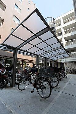 マンション(建物一部)-狛江市岩戸南1丁目 屋根付き自転車置き場