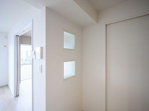 中古マンション-品川区東大井1丁目 アクセント窓からの明るい自然光
