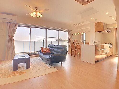 中古マンション-名古屋市緑区鳴子町2丁目 LDKは広々18.3帖!眺望も良く床暖房も完備しており年中快適に過ごせます。
