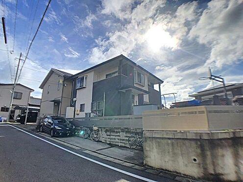 戸建賃貸-西尾市山下町西八幡山 敷地面積広々約58.89坪!前面道路は幅6mと駐車が苦手な方でもご安心いただけます。