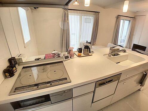 中古一戸建て-豊田市浄水町原山 オール電化のシステムキッチンです。凸凹が少ないのでお手入れも楽々♪