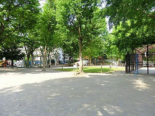 アパート-新宿区上落合3丁目 落合公園