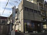 手前4軒の店舗物件。現状、家賃月4万円で3軒入居済み。