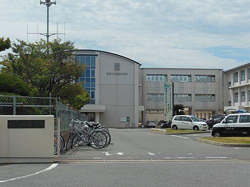 新築一戸建て-西尾市伊藤2丁目 鶴城中学校 1013m 徒歩約13分 愛知県西三河南部にある西尾市の北部の住宅市街地と茶園の多い田園地区です。