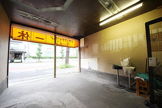 店舗付住宅(建物全部)-八王子市大和田町2丁目 バス停は目の前。2駅4路線が利用可能
