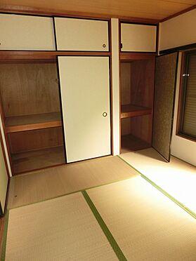 アパート-横須賀市粟田2丁目 和室に収納あります。