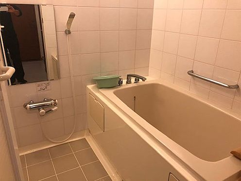中古マンション-伊東市八幡野 【浴室】浴槽が少し広いです。
