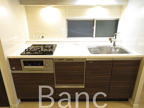 中古マンション-港区赤坂1丁目 収納豊富な広々と使えるキッチンです。
