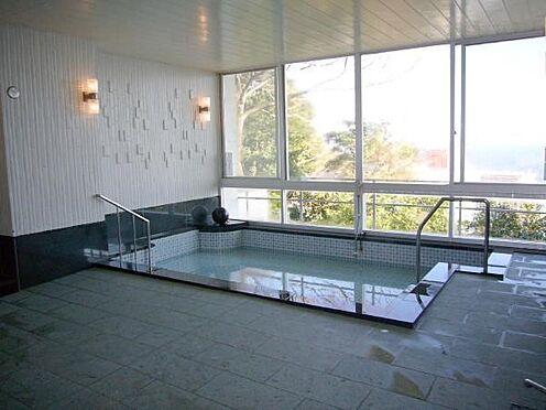 中古マンション-熱海市海光町 源泉から豊富な温泉を引湯している温泉大浴場もこのマンションの魅力のひとつです。