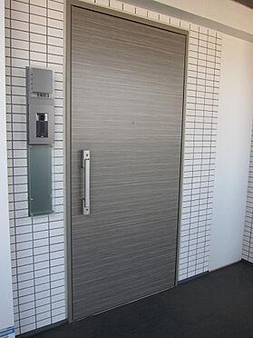 マンション(建物一部)-千代田区神田三崎町3丁目 お部屋の玄関扉はカラーモニター付きインターフォンあり