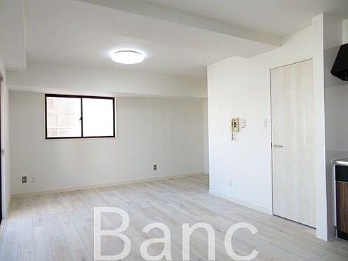中古マンション-目黒区下目黒3丁目 白を基調とした綺麗なお部屋です お気軽にお問合せくださいませ。