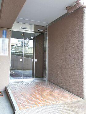 中古マンション-目黒区中目黒1丁目 自動ドアのエントランス入り口