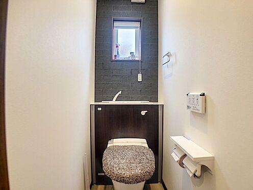 戸建賃貸-額田郡幸田町大字坂崎字石ノ塔 トイレには快適な温水洗浄便座付きです。1.2階にあります♪
