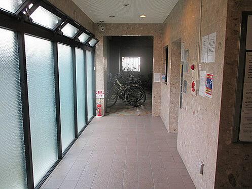マンション(建物一部)-大阪市中央区安堂寺町1丁目 明るい印象の共用部