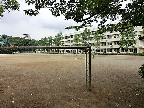 中古マンション-多摩市豊ヶ丘3丁目 多摩市立豊ケ丘小学校(380m)