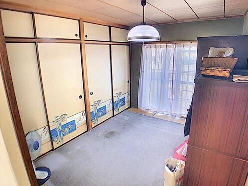 中古マンション-名古屋市天白区植田西1丁目 こちらの和室も収納豊富です。