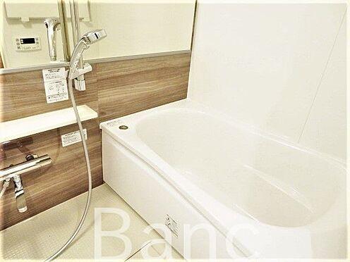 中古マンション-墨田区向島3丁目 追炊き浴室換気乾燥機能付きシステムユニットバス、花粉の時期や梅雨時は助かりますね。