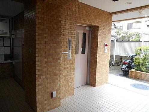 マンション(建物一部)-川崎市中原区井田三舞町 エレベータホールの様子。
