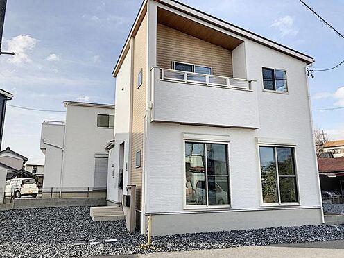 新築一戸建て-知多郡東浦町大字石浜字須賀 駐車は最大3台可能!完成時の駐車場は砕石仕上げとなっておりますが無料でコンクリート打ちをさせて頂きます。