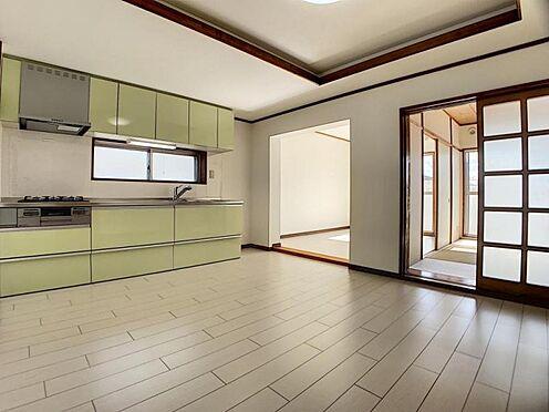 中古マンション-豊田市栄町6丁目 約16帖のLDKです!和室、洗面室ともつながっています。