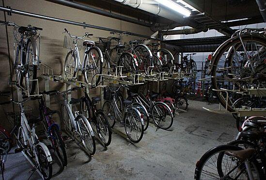 マンション(建物一部)-神戸市中央区古湊通1丁目 屋内に駐輪場あり