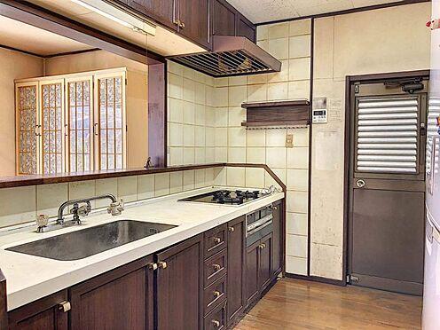 中古一戸建て-刈谷市築地町2丁目 勝手口のある明るいキッチンスペース。