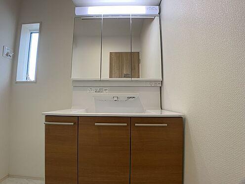 新築一戸建て-豊田市朝日町1丁目 ゆとりの洗面スペースで朝の身支度も快適スムーズに。(こちらは施工事例です)