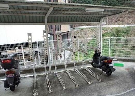 区分マンション-神戸市長田区長者町 屋根付き駐輪スペースあり