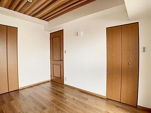 区分マンション-名古屋市中川区新家2丁目 6帖洋室には2つのクローゼットがございます!