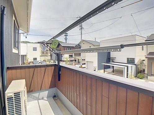戸建賃貸-額田郡幸田町大字坂崎字石ノ塔 日当りの良いバルコニーです。お洗濯も良く乾きますね♪