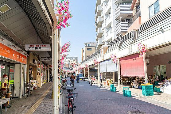 アパート-横浜市神奈川区入江1丁目 子安駅前にある大口通り商店街