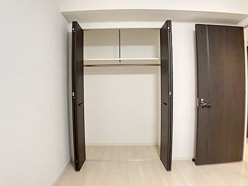 中古マンション-春日井市鳥居松町1丁目 洋室にクローゼット、和室に押入れとファミリー向けならではの収納力!